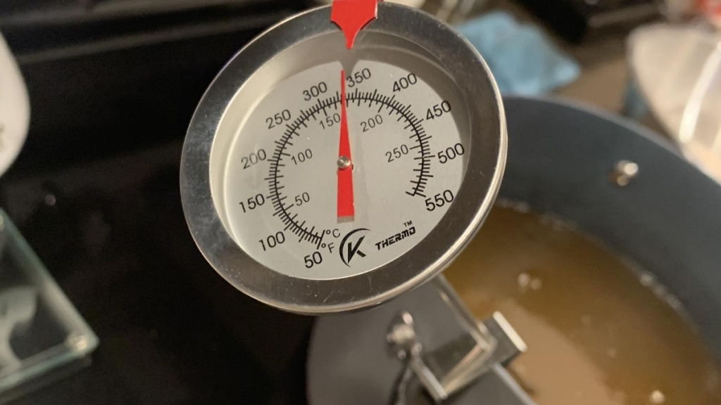 Deep-fry thermometer in pot